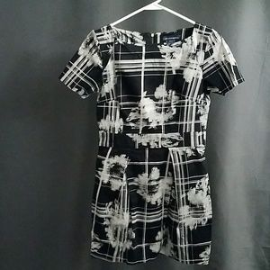 3 for $12- size 8 US dress with pockets